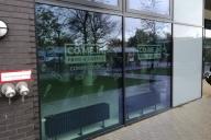 Schaufensterbeklebung für das Co.Me. In Café in den Smartments