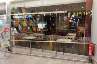 Glasdekorbordüre mit Schlagwörterwolke als Sichtschutz